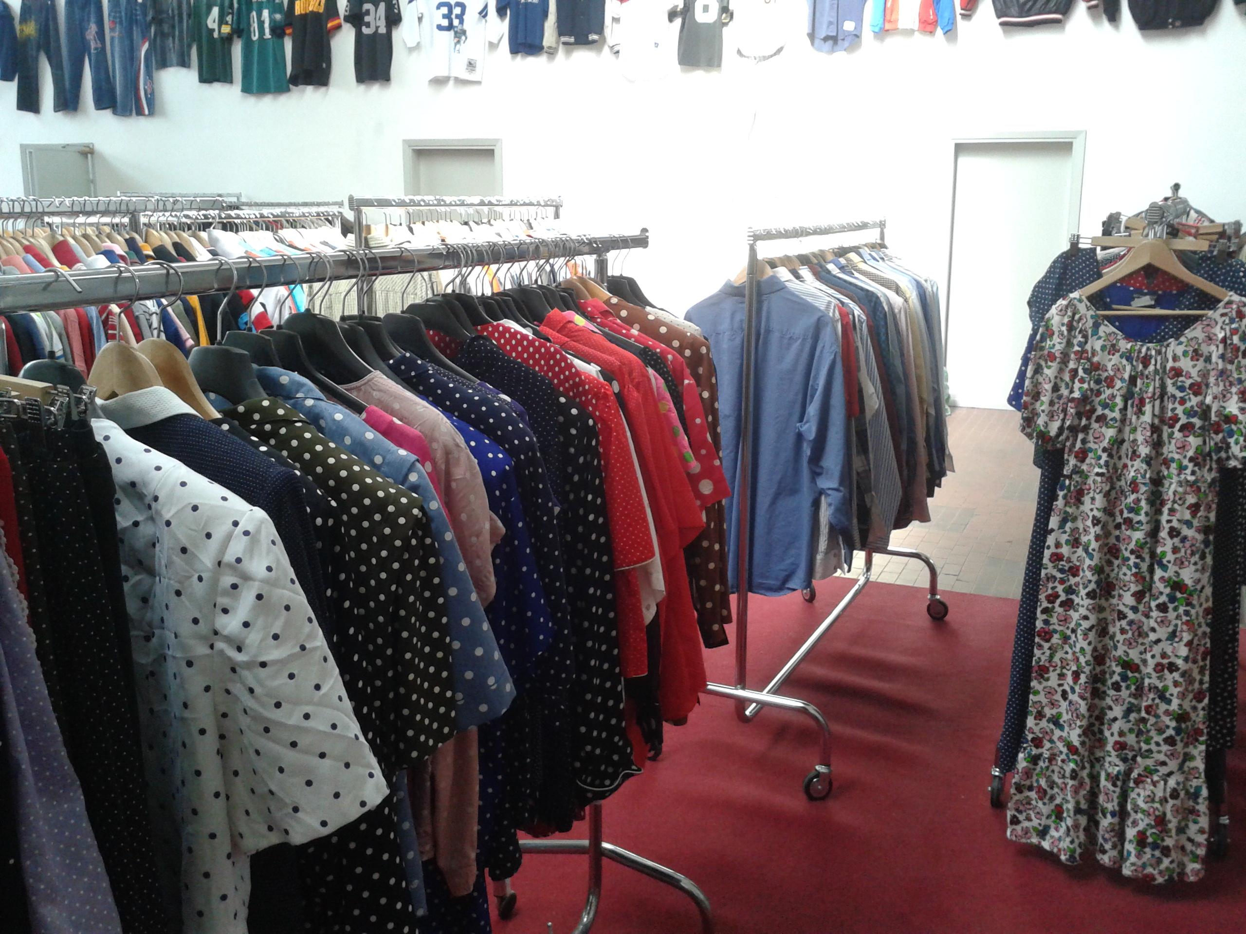 Ingrosso abbigliamento vintage Montemurlo Prato